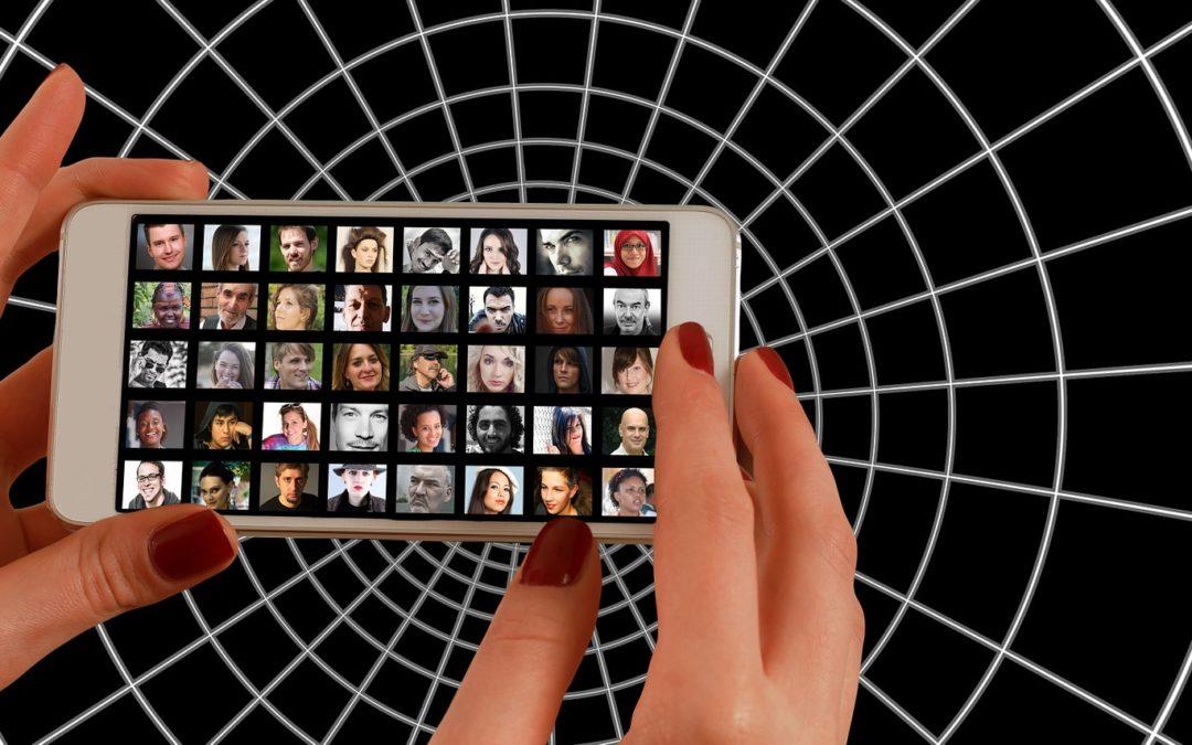 Netzwerken: Perlenkette trifft Piercing